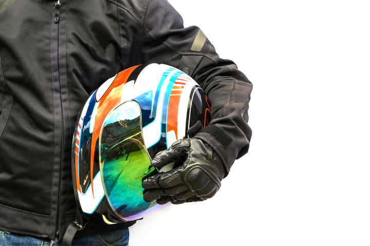 4 Shopping Tips to Buy a Motorcycle Helmet