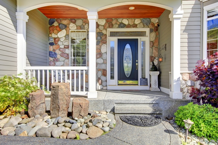 12 Pretty Front Door Decor Ideas for Your House
