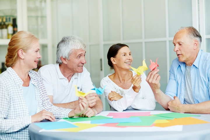 9 Recreational Activities for Old People in Retirement Homes
